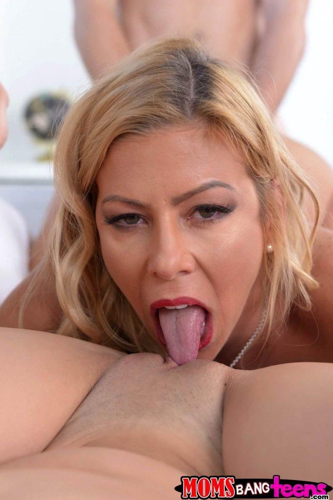 Ass blonde found herself on black cock