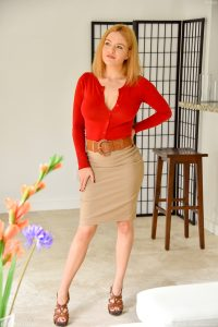 Ftv Milfs Krissy Lynn in Her Plaything 18