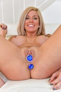 Ftv Milfs Parker in Happily Married Milf 17