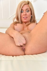Ftv Milfs Parker in Happily Married Milf 29