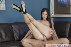 Naughty America India Summer in Seduced by a Cougar 10